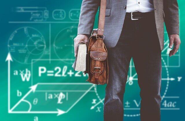 So kannst du berufsbegleitend Berufspädagoge werden